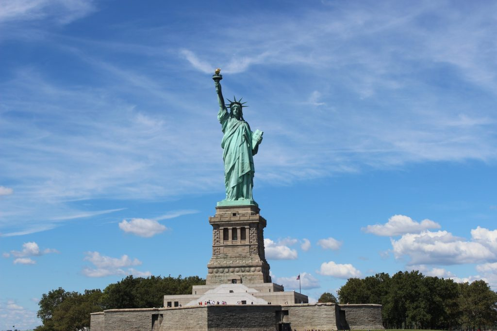 30 must see new york city landmarks and attractions for Must see nyc attractions